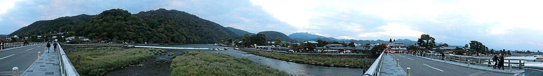 View from TogetsuKyo Bridge 180.JPG