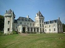 Villers-Châtel château (avec 2 tours et aile).jpg