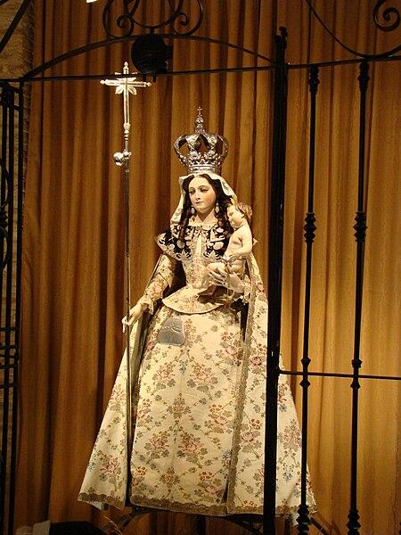 File:Virgen Peregrina de Luisa Roldan lou.JPG