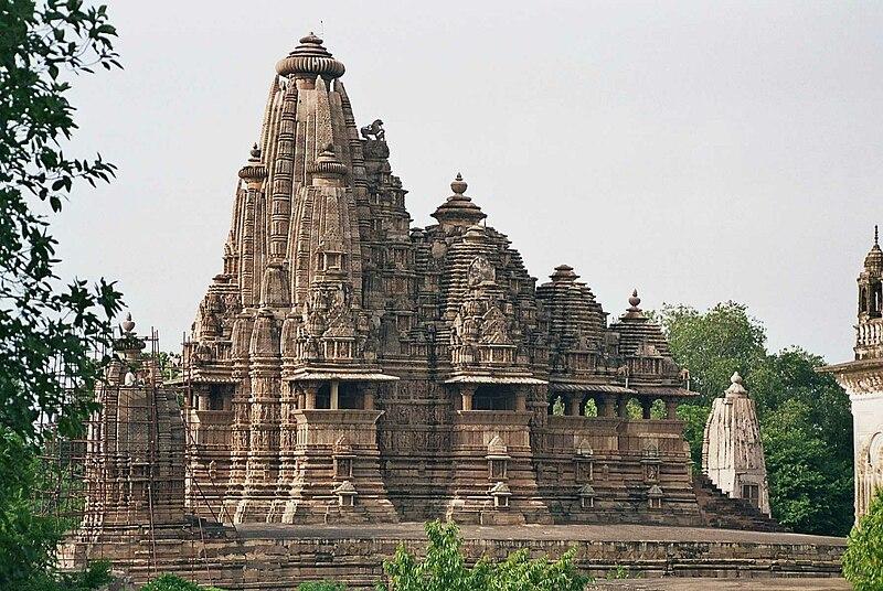File:Vishvanatha Temple, Khajuraho (side).jpg