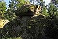Wackelstein beim Steinbruch Kirchenwald 2.jpg