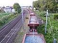 Wagons-trémie de ballast sur un canton, vus d'un pont.jpg