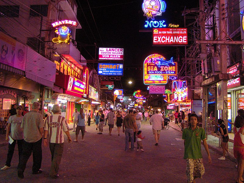 File:Walking street,pattaya,THAILAND - panoramio.jpg