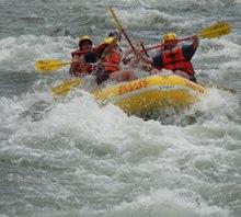Rafting no rio Arkansas no Colorado. 84342ee886300