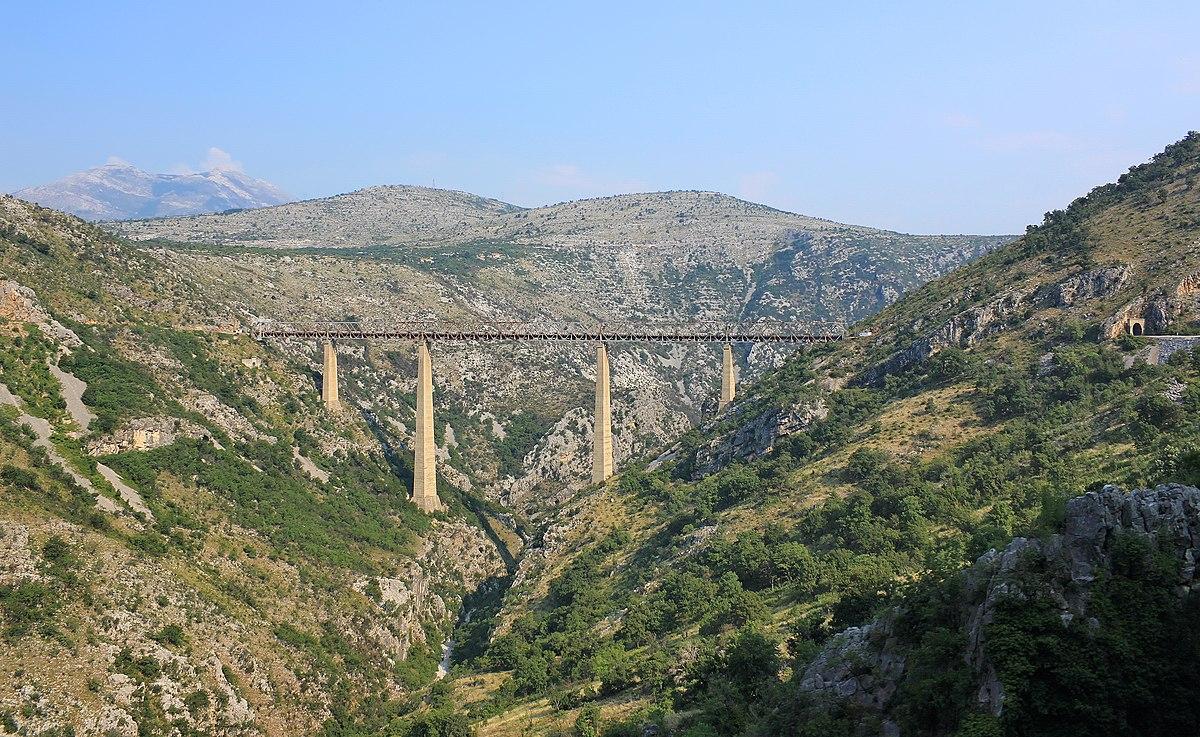 Wiadukt kolejowy Mala Rijeka w Czarnogórze.JPG