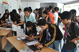 Software Freedom Day - Students lined up to register at the Software Freedom Day 2011 event in the University of Santo Tomas, Manila, Philippines