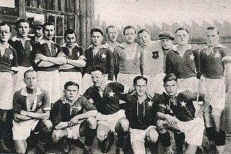 Józef Kotlarczyk - Wisla Krakow in 1927, Kotlarczyk second from left in top row