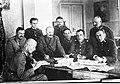 Wojna polsko-radziecka - grupa literatów, żołnierzy Armii Ochotniczej 1920 NAC 1-H-379.jpg