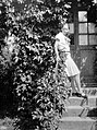 Woman, garden Fortepan 2727.jpg