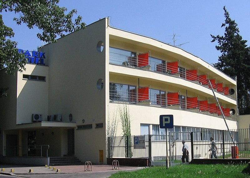 File:Wroclaw ul.KopernikaParkHotel-PIP.jpg