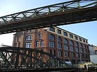 Wuppertal, Moritzstr. 14 und Wupperbrücke, Bild 1.jpg