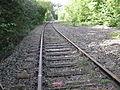 Wuppertaler Nordbahn, Telefonkabel neben Schienen.jpg