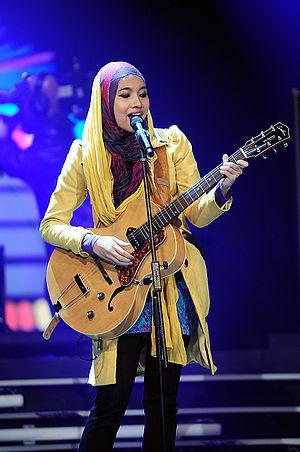 Malaysian pop - Yuna performing.