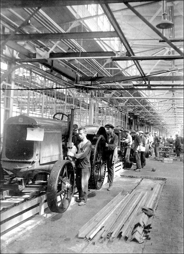 Даже во время битвы с конвейера сталинградского завода на фронт шли элеваторы николаевской области вакансии