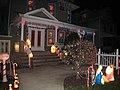 Дом перед Рождеством в Шипсхед Бей.JPG