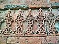 বাঘা মসজিদের দেয়ালে পোড়া মাটির ফলক.jpg