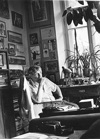 Viktor Nekrasov - Nekrasov in his studio in Kiev, 3 July 1974