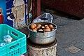 茶叶蛋 Tea boiled eggs Яйца, вареные в чаю (7887334904).jpg