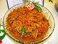 00101 Salat aus Rindfleisch mit weißen Pilze, Paprika, Tomaten und Zwiebel.JPG
