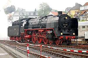 Smoke deflectors - DRG Class 01 locomotive fitted with ''Wagner''-type smoke deflectors—the large vertical plates attached to both sides of the front (right) of the locomotive