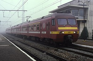 Belgian railway line 50 - A train at Denderleeuw station in 1987