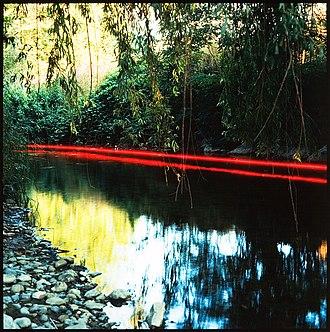 Jacques Pugin - Image: 11 graffiti rouge photos jacques pugin paysages 1984