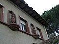 126 Hostal Parc (Arbúcies), detall amb gerros.jpg