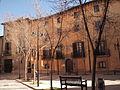 181 Plaça de Miquel de Clariana, amb el palau Bojons.jpg