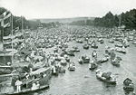 1895 Henley Royal Regatta between heats.jpg