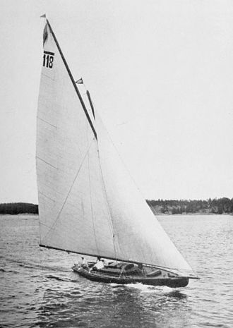 8 Metre (keelboat) - The Swedish silver medalist Sans Atout at 1912 Summer Olympics.