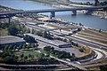 196R09180890 Blick vom Donauturm, Bereich Reichsbrücke, Zu und Abfahrten Donauinsel UNO CITY,.jpg