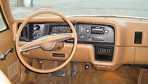 AMC Pacer - Pacer's design of dashboard for safety and ease of service instrument panel