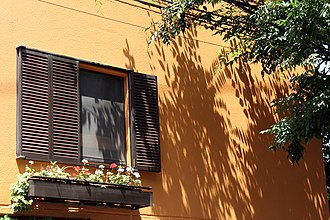 Window box - Image: 2006 Tokyo 164160974 30332e 8d 6e o