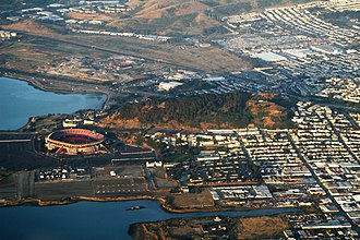 Bayview Park, San Francisco - Image: 2009 05 21 sfo bos 018 (3556079698)