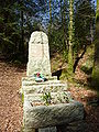 2010. Huelgoat. Monument commémoratif en l'honneur des résistants.JPG