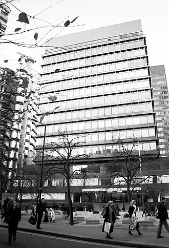 122 Leadenhall Street - The 1969 building at 122 Leadenhall Street in a black and white photograph taken in 2007