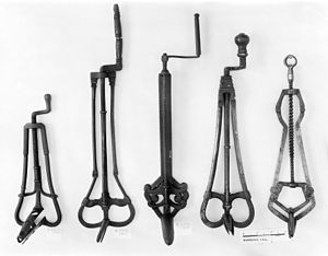 Speculum (medical) - 14th, 15th and 16th century speculums.