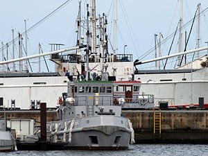 A876 Hr. Ms. Hunze (Coast tug).JPG