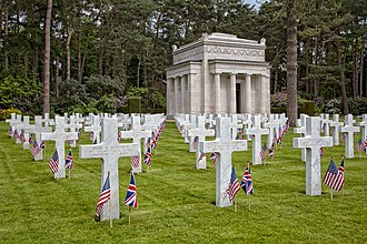 Brookwood American Cemetery and Memorial - Image: ABM Brookwood 23My 5 wyrdlight