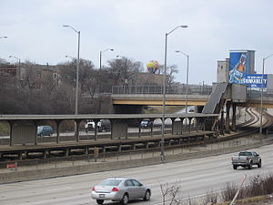 Kostner station (CTA Congress Line) - The abandoned Kostner CTA station as seen along the Eisenhower Expressway