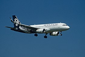 Air New Zealand Airbus A320-232(WL) ZK-OXF NZ524 CHC-AKL app AKL (15452976847).jpg