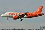 "Airbus A319-100 easyJet (EZY) ""Linate - Fiumicino per tutti"" G-EZIW - MSN 2578 (10277204156).jpg"