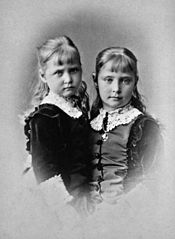 Alix and Marie of Hesse.jpg