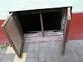 Almássy tér 13, pinceablak, 2018 Erzsébetváros.jpg