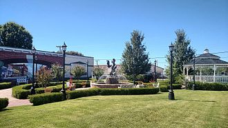 Alma, Arkansas - Downtown park, gazebo and fountain in Alma