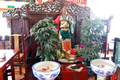 Altar to Guandi in a restaurant of Beijing.png