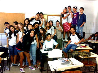 Goiânia - A group of Goianiense students from a public school.