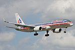American Airlines Boeing 757-200 N191AN (15804624873).jpg