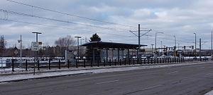 American Boulevard (Metro Transit station) - American Boulevard station in 2015