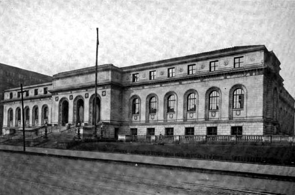 Americana 1920 Libraries - Saint Louis Public Library.jpg